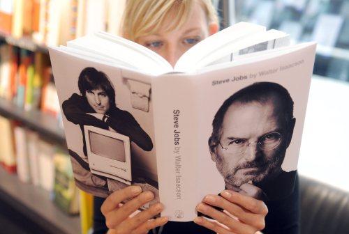 Biografia zmarłego Steve'a Jobsa sprzedaje się nie gorzej niż produkty Apple'a