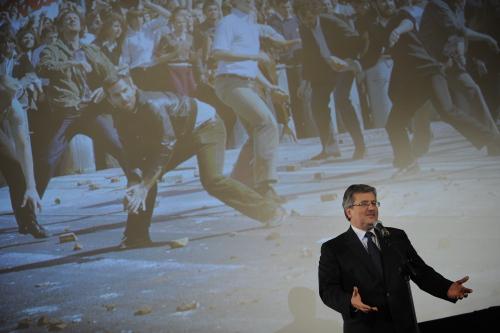 """Prezydent wziął udział w pokazie filmu """"80 milionów"""""""
