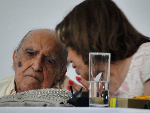 Oscar Niemeyer uczcił 104. urodziny, wydając nowy numer swego pisma