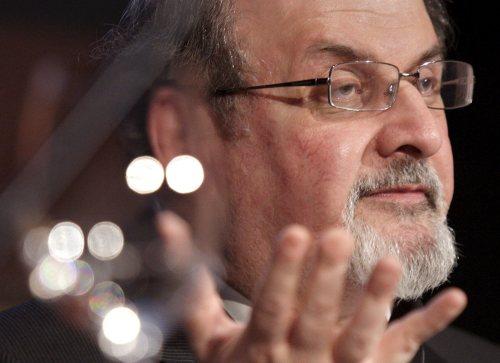 Rushdie odwołał udział w festiwalu literatury w Indiach z powodu protestów