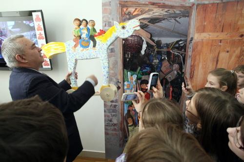Wystawa rzeźb i wycinanek ludowych w Kielcach