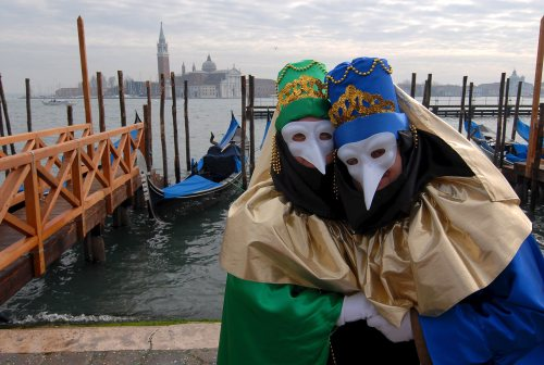 W niedzielę oficjalnie rozpoczyna sie karnawał w Wenecji