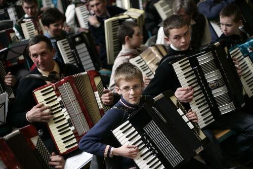 Ustanowiono nowy kaszubski rekord Polski w jednoczesnym graniu na akordeonie