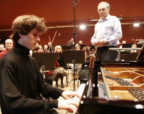 Francja/ Recital fortepianowyRafała Blechacza w Paryżu