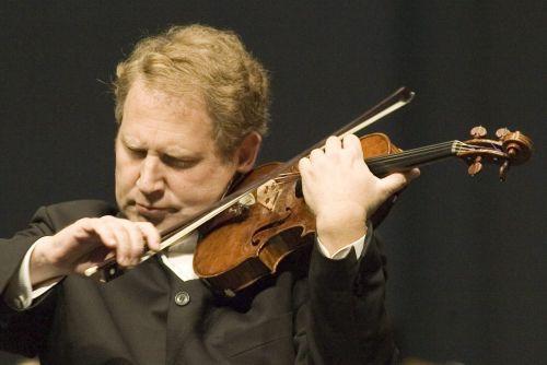 Wybitny skrzypek Shlomo Mintzwystąpi w piątek w Filharmonii Łódzkiej