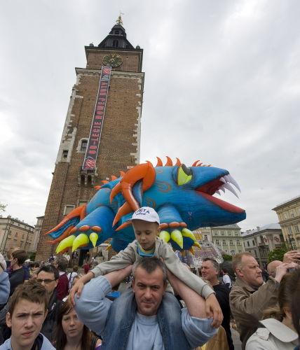 Ulicami Krakowa przeszła Wielka Parada Smoków