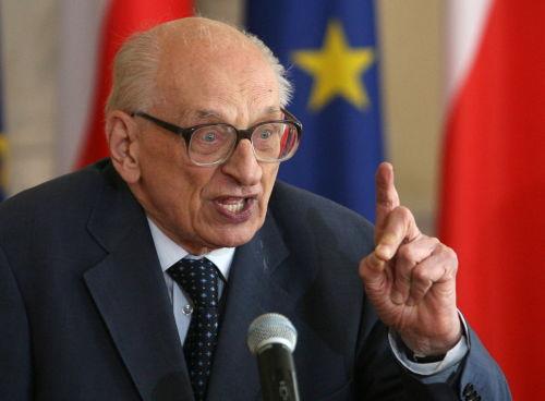 Bartoszewski: są zgłoszenia dot. funduszu Muzeum Auschwitz