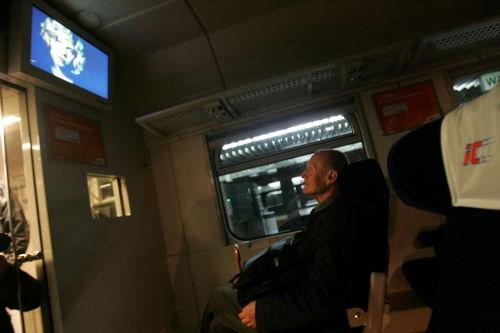 Kolejowy wagon-kino będzie jeździł w wakacje po Polsce