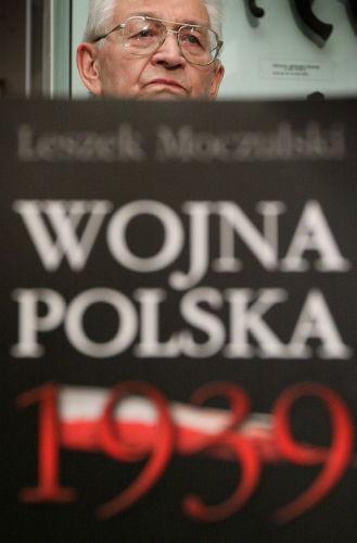 """Ukazało się wznowienie """"Wojnypolskiej 1939"""" Moczulskiego"""