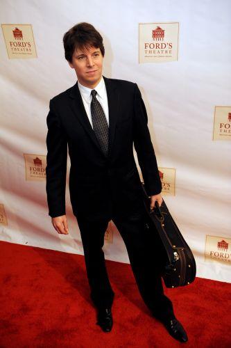 Wirtuoz skrzypiec Joshua Bellprzybył do Polski