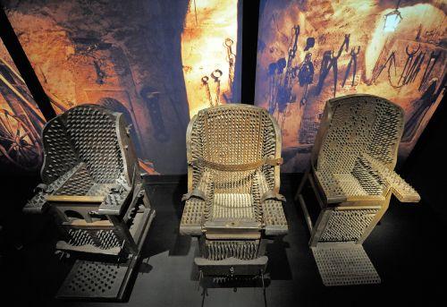 Muzeum w Nysie/Ekspozycja o życiu i procesach czarownic
