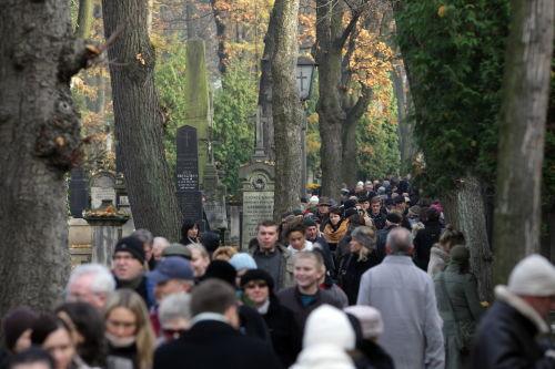 Podczas dwudniowej kwesty na Powązkach zebrano ok. 200 tys.zł