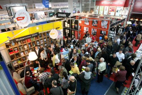 Około 25 tys. osób odwiedziło13. Targi Książki w Krakowie