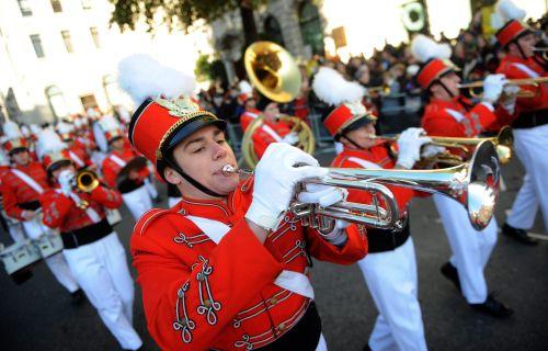 W.Brytania/Noworoczną paradę w Londynie obserwowało 400 tys. osób