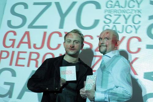 Borys Szyc na jazzowo