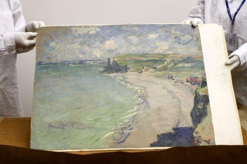 """Rozpoczęła się renowacja obrazu Moneta """"Plaża w Pourville"""""""