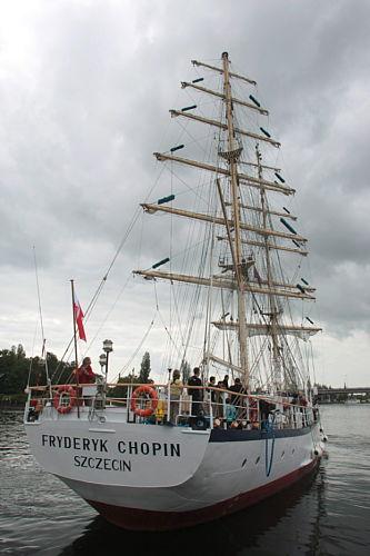 """Belgia: żaglowiec """"Fryderyk Chopin"""" zawinął do Ostendy"""