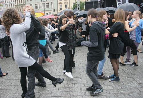 Argentyńskie tango w prezencie dla Sławomira Mrożka tańczono w Krakowie