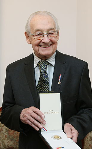 Wajda uhonorowany chorwackim orderem w Warszawie