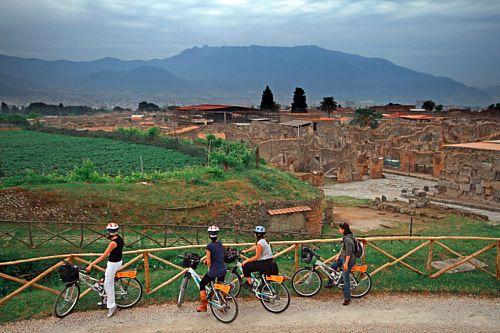 Pompeje: czego nie zniszczył Wezuwiusz, może runąć teraz