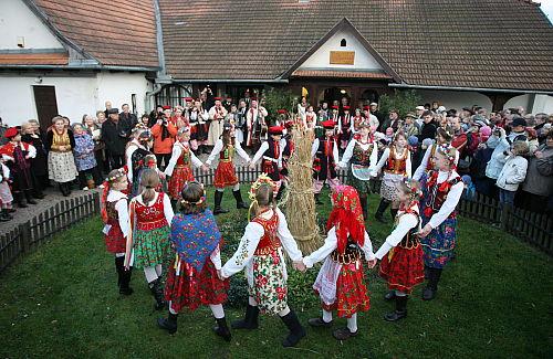 W krakowskich Bronowicach odbyło się Święto Osadzania Chochoła
