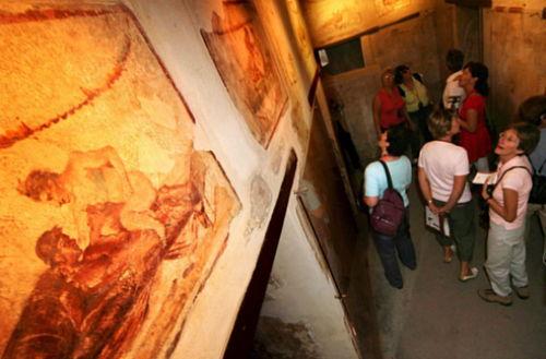 Znów runęły dwa mury w Pompejach