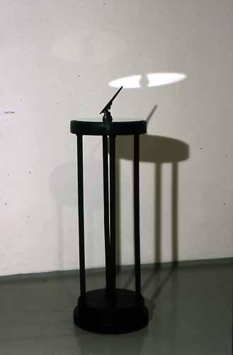 Jacek Jagielski – czyli rzeczo tym, jak pokazać upływającyczas poprzez rzeźbę.