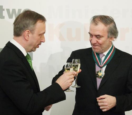 Rosyjski dyrygent Walery Giergijew uhonorowany medalem Gloria Artis