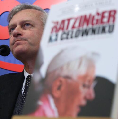 W Warszawie zaprezentowano książkę o papieżu Benedykcie XVI