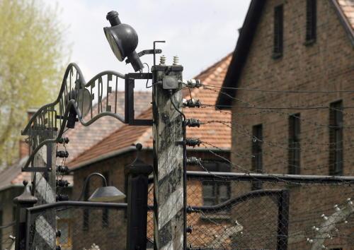 Ukazał się anglojęzyczny wybór poezji poświęconej Auschwitz