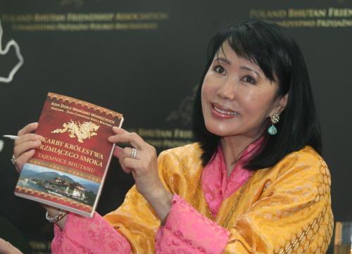 Królowa Bhutanu – otwiera Towarzystwo Przyjaźni i promuje swoją książkę