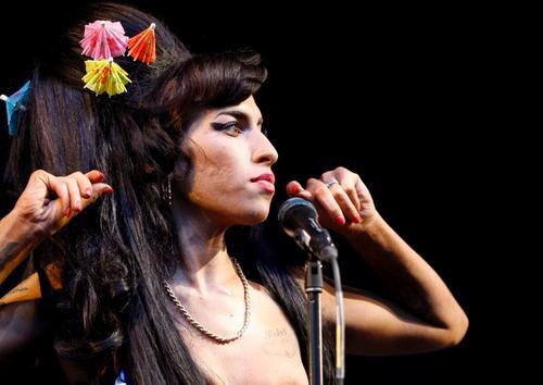 Amy Winehouse znaleziona martwa w swoim mieszkaniu w Londynie
