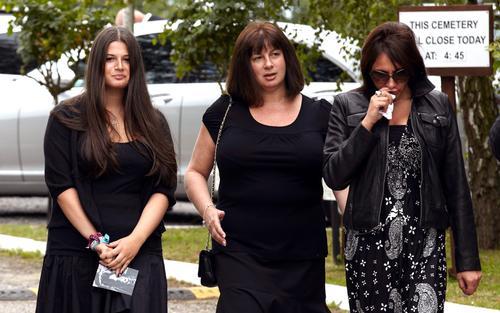 Najbliższa rodzina i przyjaciele pożegnali Amy Winehouse