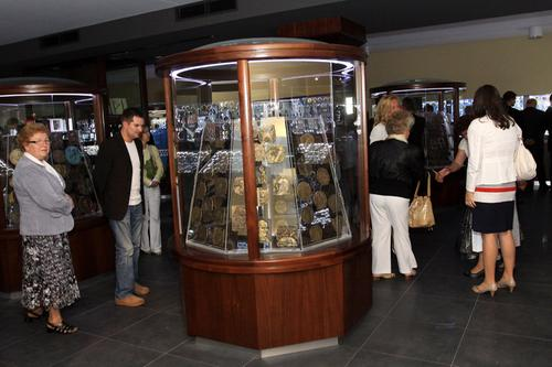 W Częstochowie otwarto MuzeumMonet i Medali Jana Pawła II