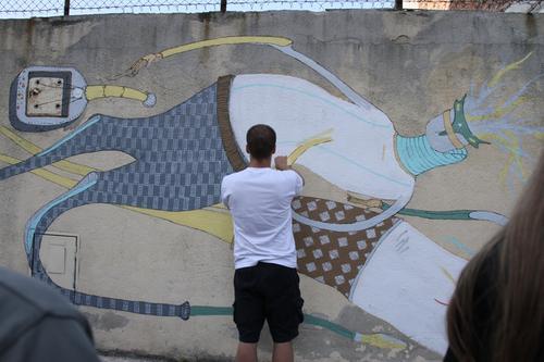 Nowy mural powstał na ścianiedawnej fabryki Wawel w Krakowie