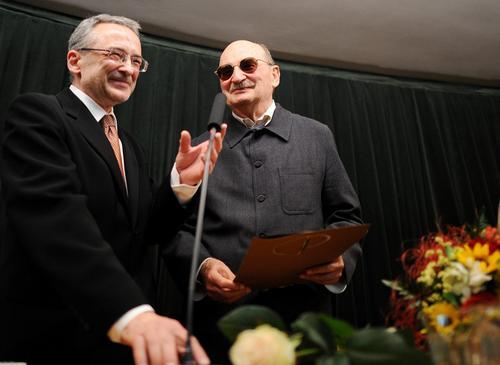 Sławomir Mrożek otrzymał nagrodę polskiego PEN-Clubu